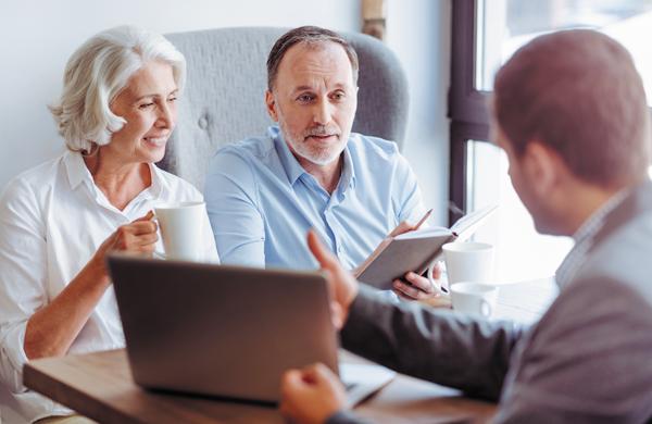 Взять кредит в банке пенсионеру в спб кредит под залог недвижимости онлайн заявка